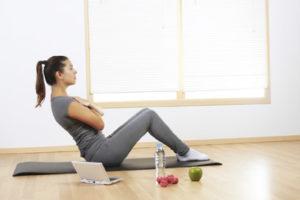 Esercizi femminili a domicilio con personal trainer