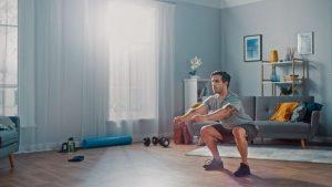 Daniele Macrì Personal Trainer Roma uomo si allena a casa